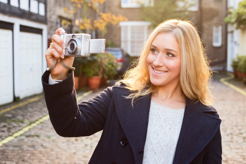 How not to hold compact camera